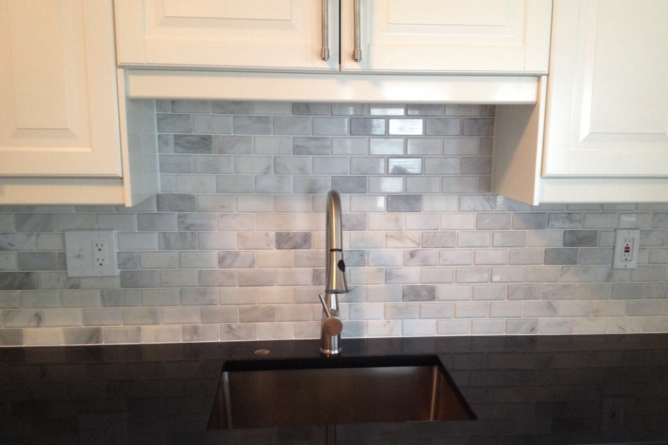 Kitchen Backsplash Beveled Subway Tile tumbled marble backsplash is beautiful in a subway tile pattern